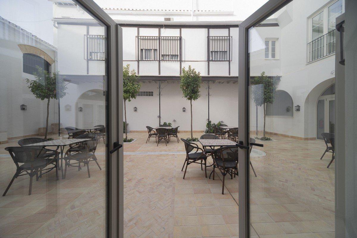 patio hotel albariza sanlucar de barrameda