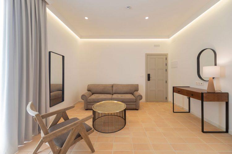 hotel_sanlucar_barrameda_hotel_boutique_albariza_suite_salon_decoracion